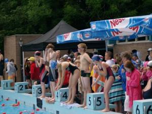 Wedstrijdzwemmen bij Aqualero